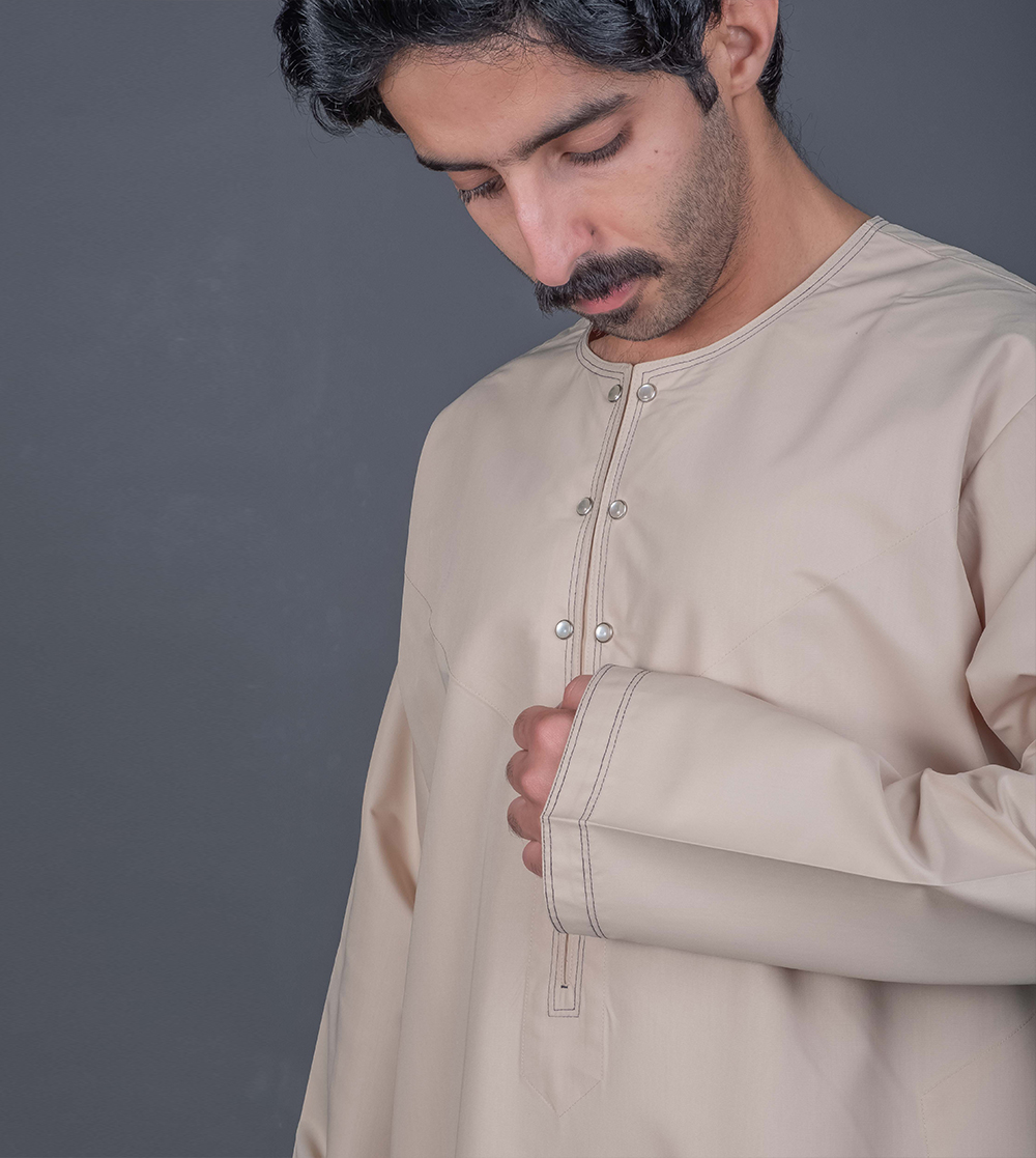 Emirati Featured Thobe