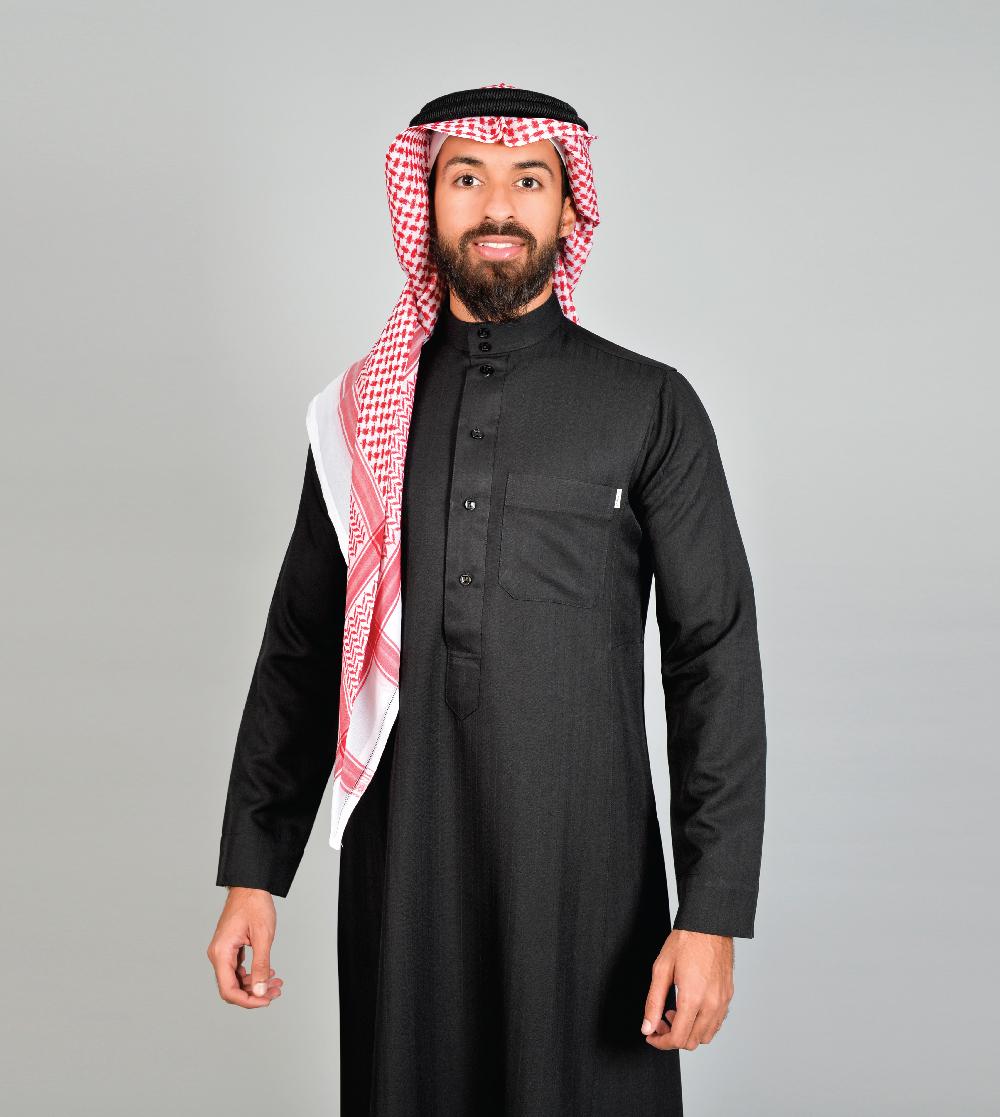 ثوب المواسم الأربعة ساده لون أسود
