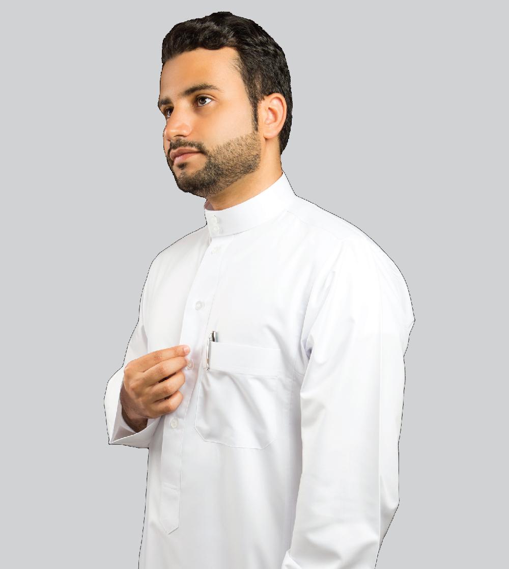 الثوب المريح أبيض بلمعة